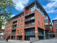 2 bedroom flat in Madison Square, Liverpool, L1 (2 bed) (#1106922)