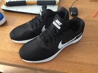 Nike trainers black NEW comes with box SIZE 11