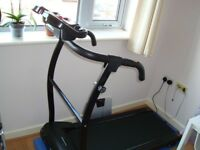 Folding Compact Incline Treadmill & Running Machine / Dimensions: 140 (H) x 65 (W) x 135 (L) CM