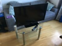 LG 32LD450 32 inch Widescreen Full HD 1080p LCD TV with Freeview. Optional Premium Glass Stand