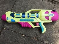 Super soaker/water gun