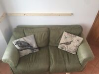 2-Seater Sofa in great condition - must go this week!!!