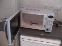 Microwave Ambiano 700 w 1 year warranty
