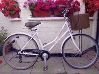 Dawes Heritage 7 Speed Town bike with Basket