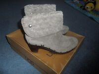 Ugg Boots Lynnea Genuine New