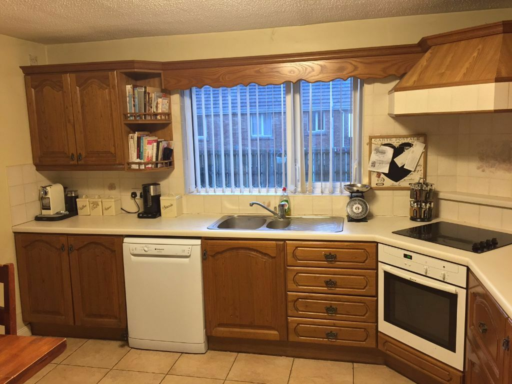 Oak kitchen for sale reduced now 200 claudy incl for Oak kitchen units for sale