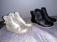 2 pairs Girls Gap Chelsea boots UK10 *collection only*