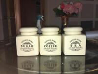 Set of 3 Cream ceramic containers