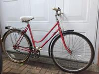 SERVICED PINK VINTAGE 80s TOWN BIKE - FREE DELIVERY TO OXFORD!