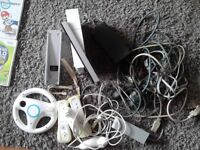 NINTENDO Wii CONSOLE, ACCESSORIES AND GAMES BUNDLE