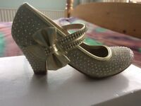 Bridesmaid's shoes size 1