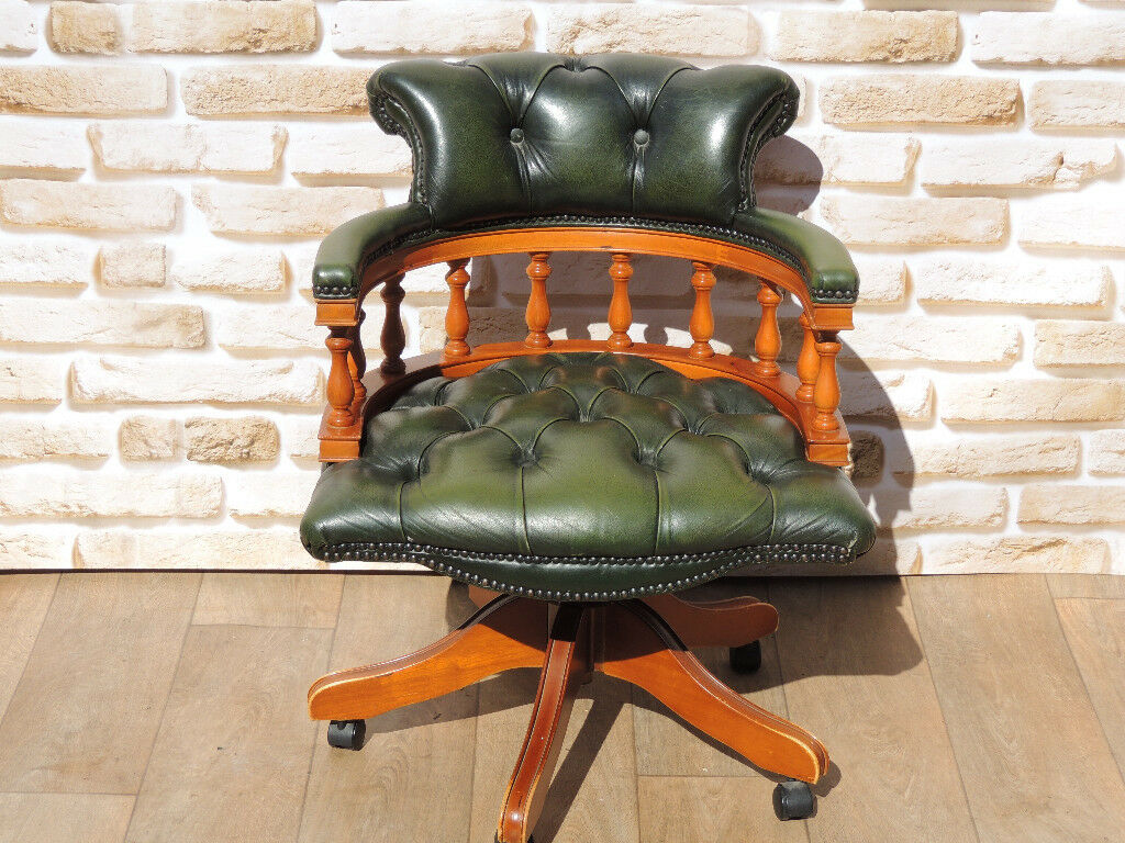 Antique Green Chesterfield with Yew frame (Delivery)