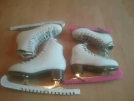Ice skates / figure skate