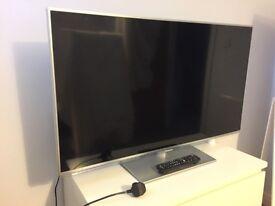 Panasonic TV TX-L42E6B - BROKEN - for spare parts