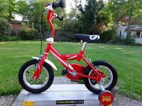 KIDDIES POSTMAN PAT BICYCLE WITH REMOVABLE STABILISERS