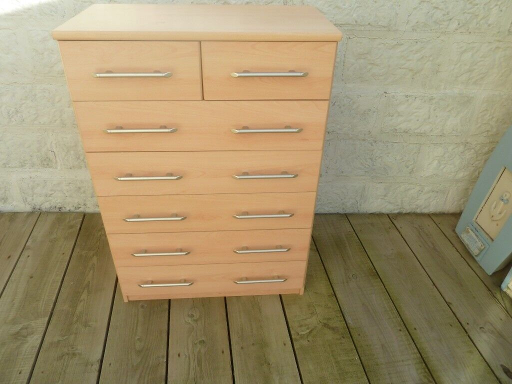 Chest of Drawers with 7 Drawers all Working