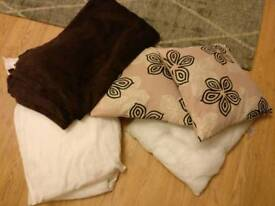 2 cushions, 1 inner, 2 pillows, fleece blanket