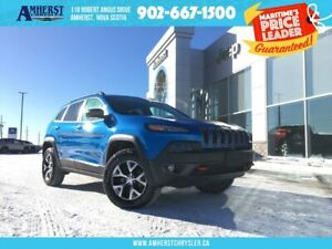 2018 Jeep Cherokee TRAILHAWK 4X4 - LOW KMS, HEATED COOLED SEATS,