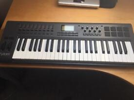 M-Audio Axiom 49 2nd Gen MIDI keyboard / control surface