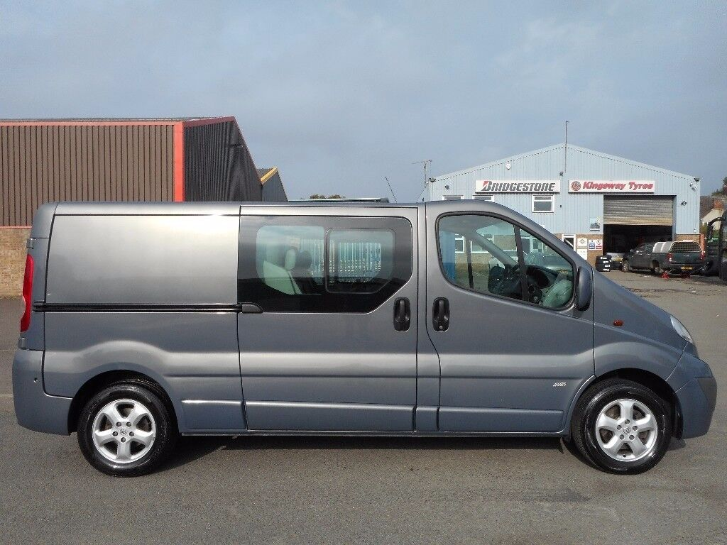 FINANCE ME!!NO VAT!!Stunning Vauxhall Vivaro 2.0ltdi lwb 6 seat factory crew van with full history!