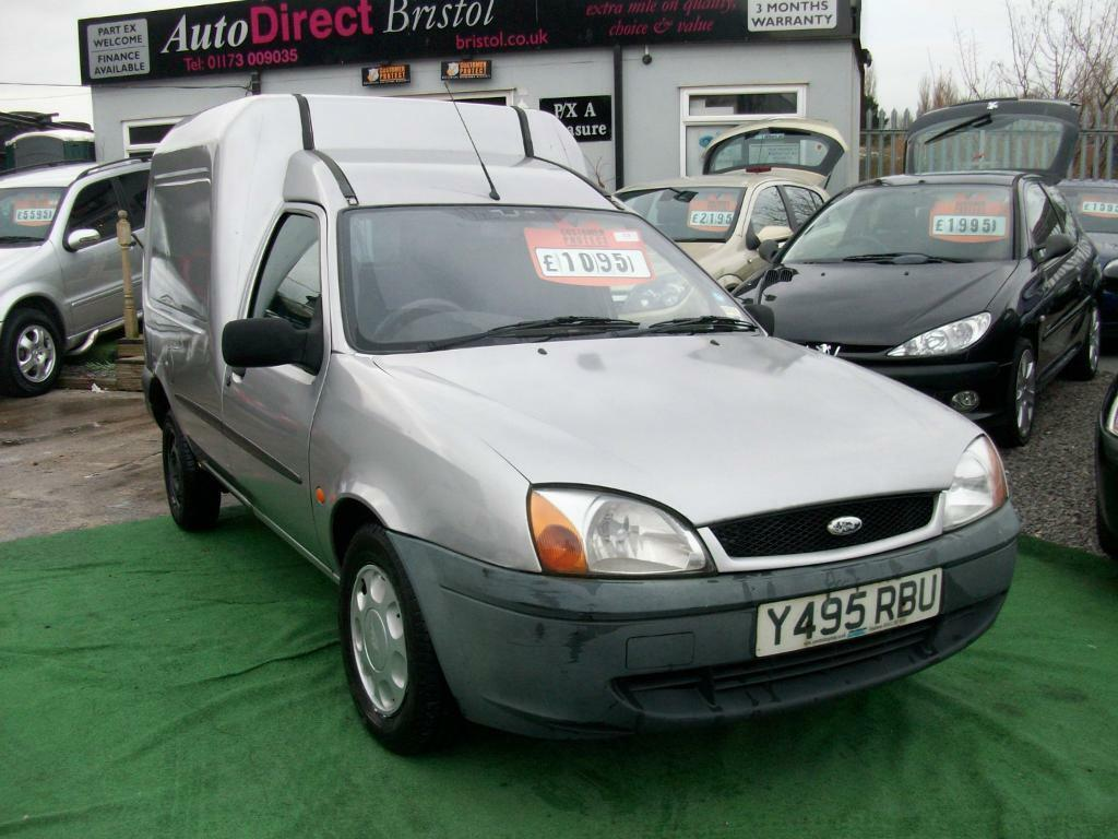 2001 Y REG ford fiesta courier VERY WELL MAINTAINED CHEAP VAN AT A BARGAIN PRICE