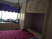 Amazing double/single room near Canary Wharf. Only £ 150 deposit. NO FEES
