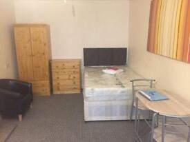 Compact Studio Flat UOB BCU Bills Included Stirchley Bournville City Centre Selly Park