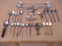 285 pieces of cutlery with tray.