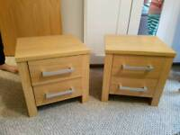 Chest of drawers and 2 bedside lockers vg condition