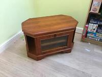 Very nice wooden tv cabinet - with two storage shelves and side storage
