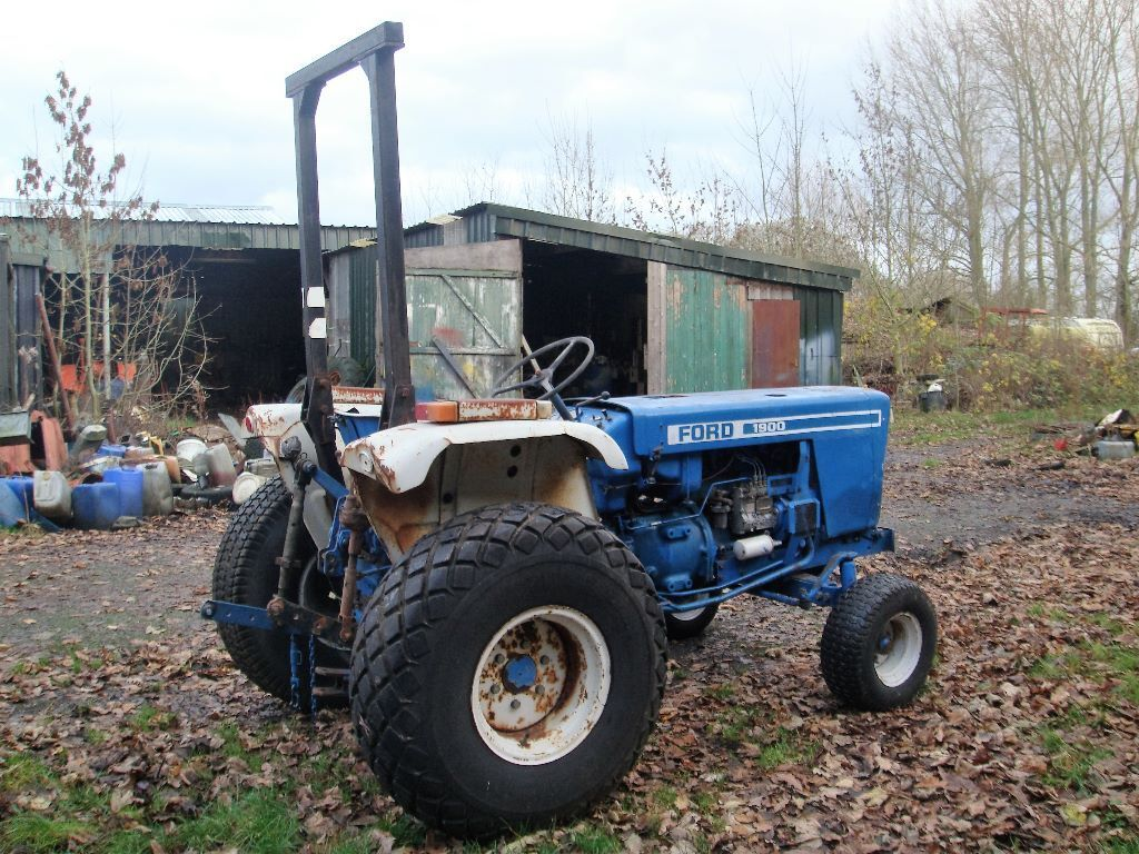 2 Wheel Tractor 1900 : Ford wd compact tractor non runner sold as spares or