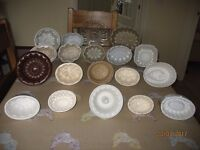 20 antique jelly moulds various sizes 18 ceramic 2 glass