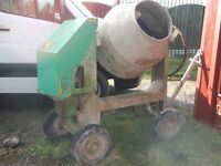 BENFORD HEAVY DUTY DIESEL SITE CEMENT MIXER ELECTRIC START IDEAL FOR SELF BUILD DELIVERY IS AVAILABE