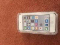 BRAND NEW iPod touch 6th generation 16 go silver