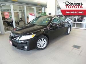 2011 Toyota Camry XLE Leather/ Moonroof