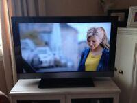 Sony Bravia 32in LCD colour TV + Sky Box