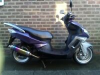 Sinnis 125cc QM 125 T-10H Moped Scooter tidy bike good for delivery drivers