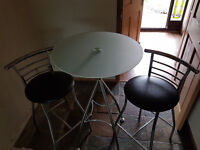 Breakfast table and 2 chairs