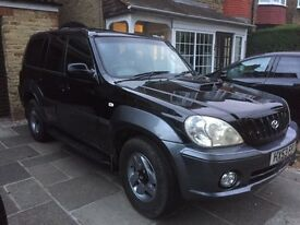 Black Hyundai Terracan CDX CRTD 2003 Manual