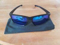 Oakley Sliver polarised sunglasses