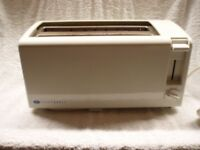 BOOTS ELECTRIC, FOUR SLICE OF BREAD TOASTER, WHITE.