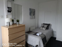 Self contained studio West Brom house-share