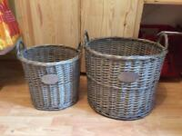 Set of storage baskets
