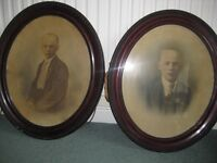PAIR OF ANTIQUE VICTORIAN MAHOGANY OVAL PICTURE/PHOTO FRAMES