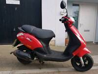 Piaggio zip c25 50cc moped 2010 only 2100 miles New mot