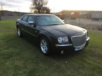 57 REG CHRYSLER 300C 3.0 CRD V6 4DR-BENTLEY GRILL-LOW MILES-2 KEYS-30PLUS MPG-GREAT LOOKING CAR
