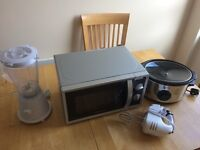Microwave / Slow cooker / Blender / Mixer