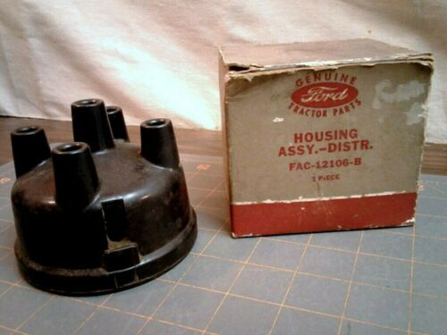 Vintage Ford Tractor Distributor Cap In Original Red Gray Box