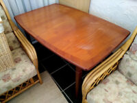 Meredew extending dining table
