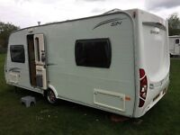 Touring caravan Lunar Quasar 534, 4 berth with everything you need to start touring.